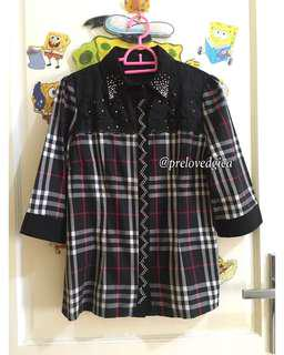 Burberry Premium Swaroski , Kemeja , Kaos , Blouse , Dress , Longdress , Midi Dress , Mini Dress , Kaftan , Gaun , Celana Panjang , Kulot