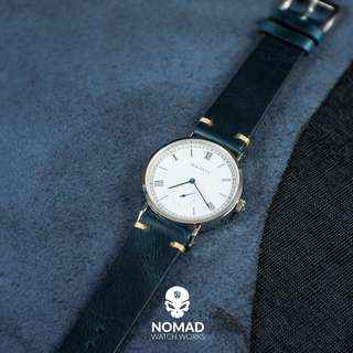 🚚 Premium Vintage Oil Waxed Leather Strap in Navy