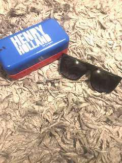 le specs sunglasses original henry holland collab