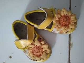 Gratis sepatu anak perempuan #maucocach
