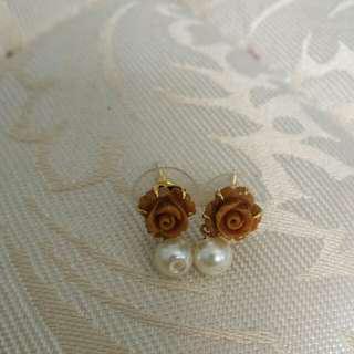 Brown Rose Earring