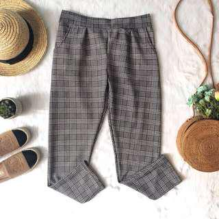 Plaid Trouser ( 2pcs for 380php)