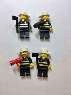 Lego人仔,價錢是每隻人仔連手上工具。  👉買家必須一次過全買二十隻,不散賣👈