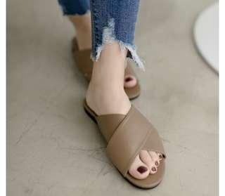 🚚 正韓 交叉款拖鞋(深棕23.5)