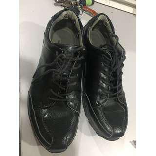 kasut hitam saiz 7.5uk