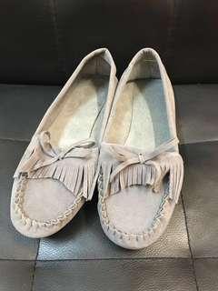 <<免費送出>> 全新淺灰色平底鞋