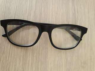 Kacamata prada dop hitam