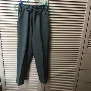 七分褲 森林綠 橡筋腰  forest green trousers
