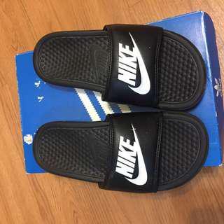 🚚 Nike拖鞋 us4 23