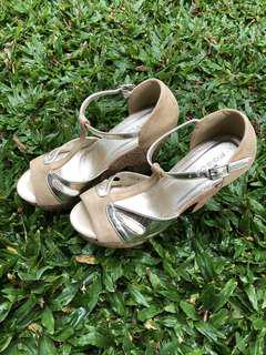 Marie Claire Wedges Gold Size 6/39 (25cm)