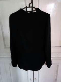 H&M black blouse longsleve