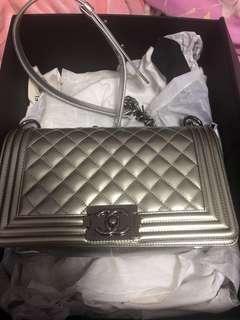 Chanel classic  bag漆皮銀色