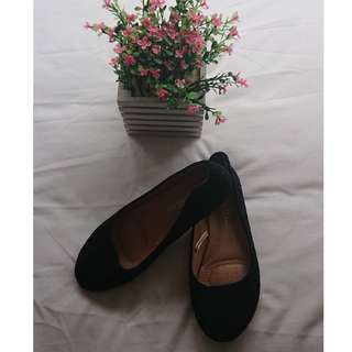 DUBAI BRAND - Black Doll Shoes or Lace Flat Shoes (can be for casual and office work , durable, classy, cute )