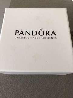 🚚 Pandora Ceramic Jewellery Holder