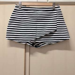 from AnF Abercrombie & Fitch black stripped shorts A&F anf size s 黑色 間條 短褲 似裙
