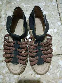 Sendal / Sepatu Wanita