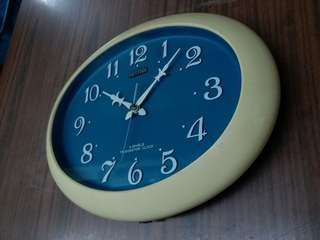 Vintage Japan Rhythm (TRANSISTOR)~Wall Clock 日本麗聲~晶體管掛牆時鐘~working