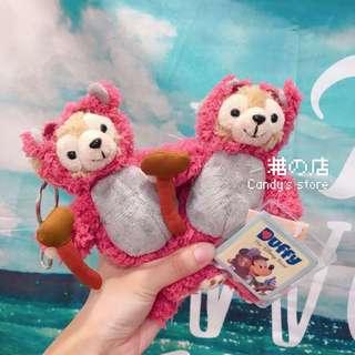 🚚 香港迪士尼 🇭🇰 達菲熊吊飾 熊抱哥