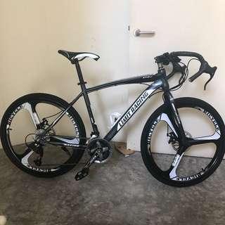 🚚 Road bike brand new