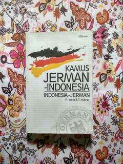 Kamus Jerman-Indonesia/Indonesia-Jerman oleh R. Yunia & T. Kühne
