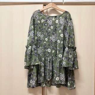Monki green flower floral top 綠色 花朵 文青 短袖 上衣