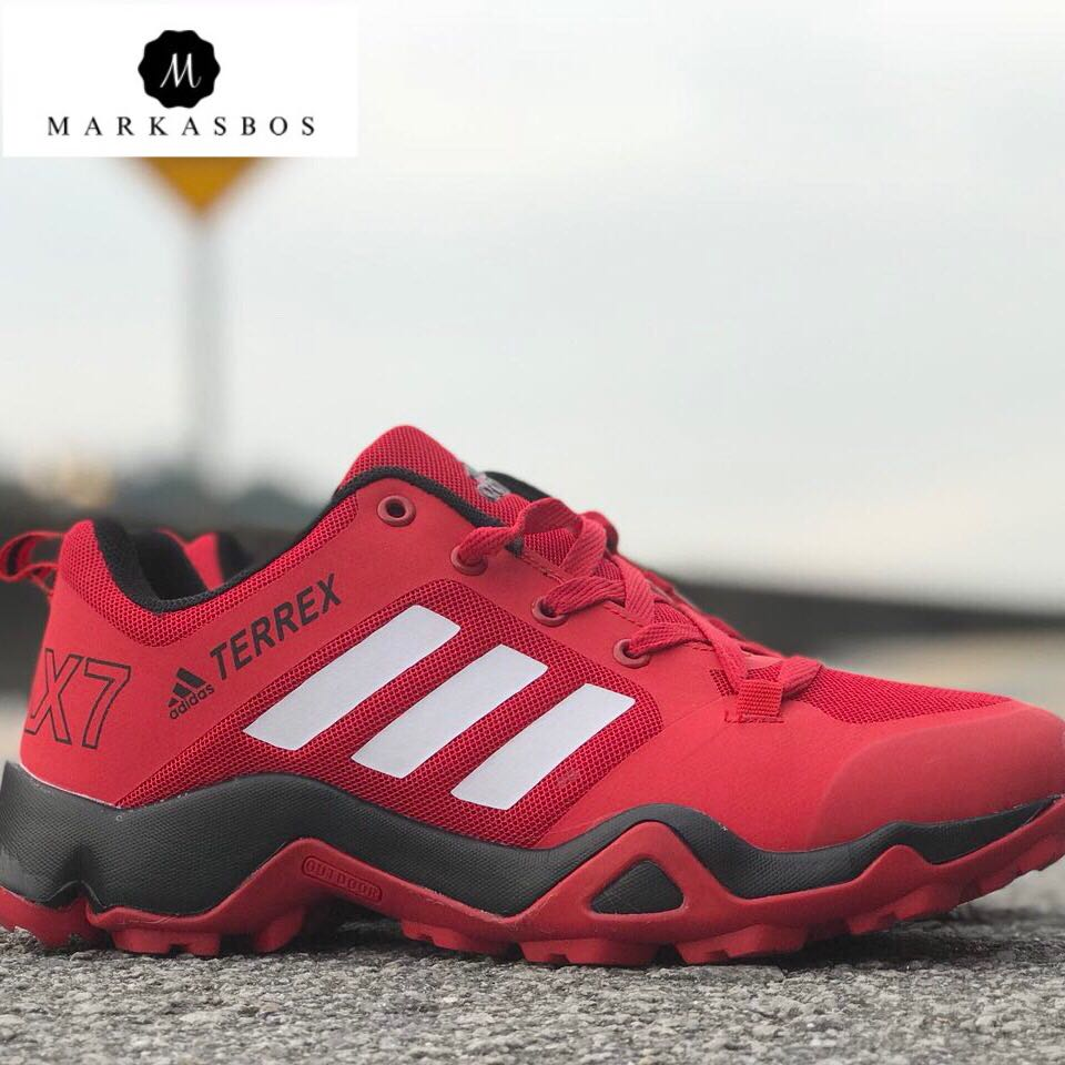 uk availability e5984 427bf ADIDAS TERREX AX7, Men s Fashion, Footwear, Sneakers on Carousell