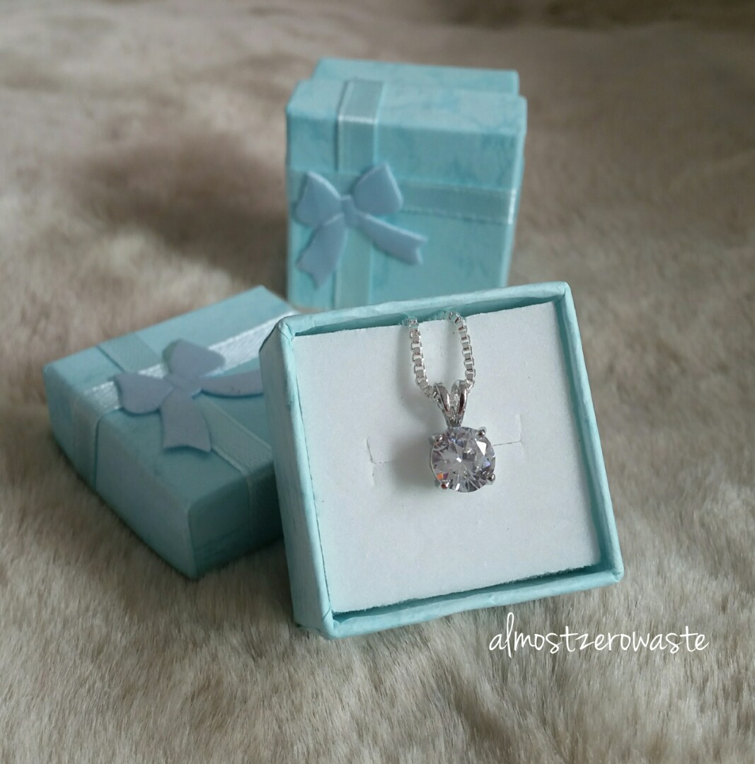 8a1d584de1573 [BN] Crystal necklace in a Tiffany-style blue gift box
