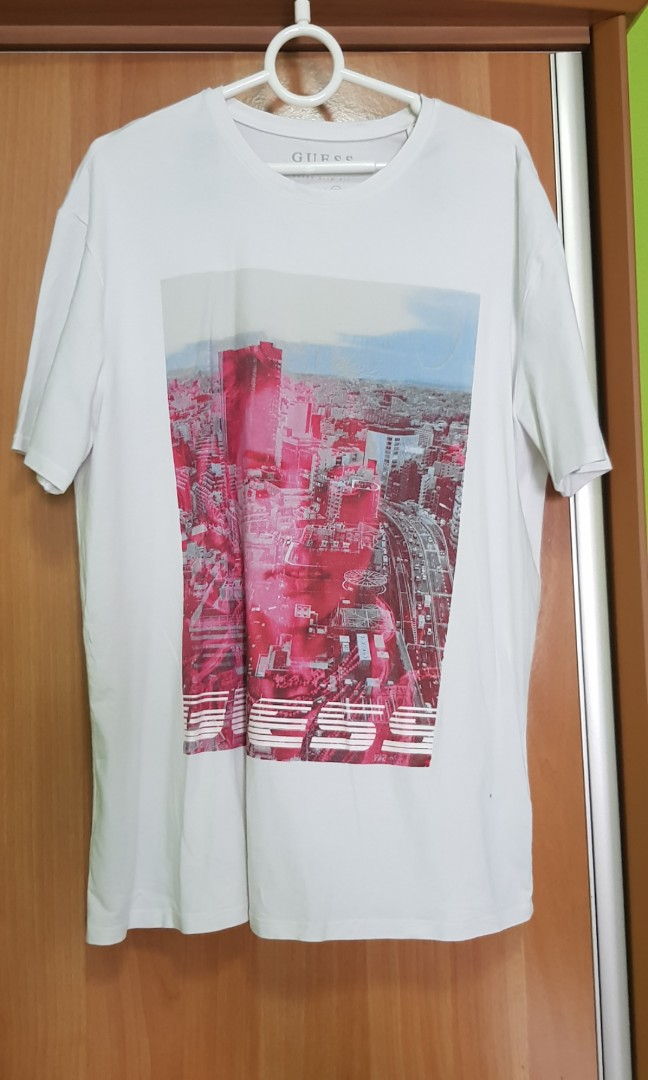 51f79d8f Guess Tee, Men's Fashion, Clothes, Tops on Carousell