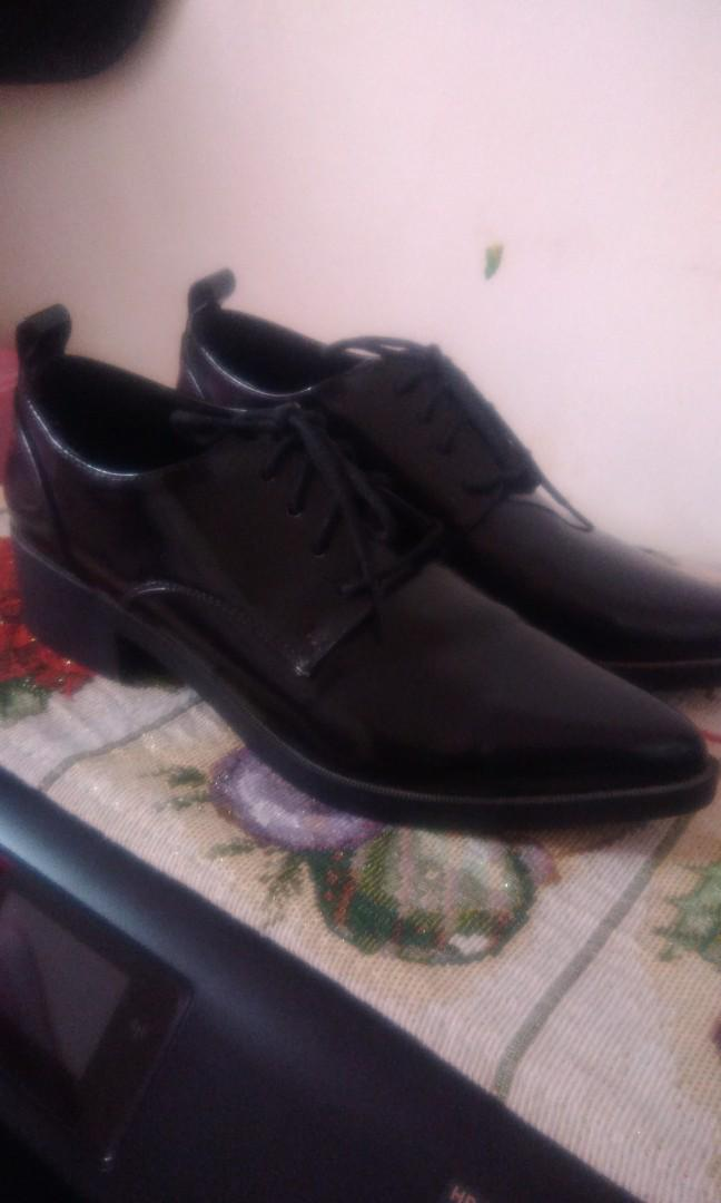 Forever21 oxford shoes size 6