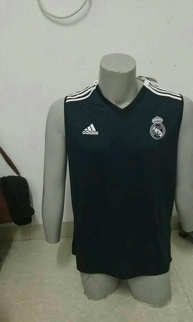 size 40 f934a 41ac7 Real Madrid Sleeveless Kit, Sports, Sports Apparel on Carousell