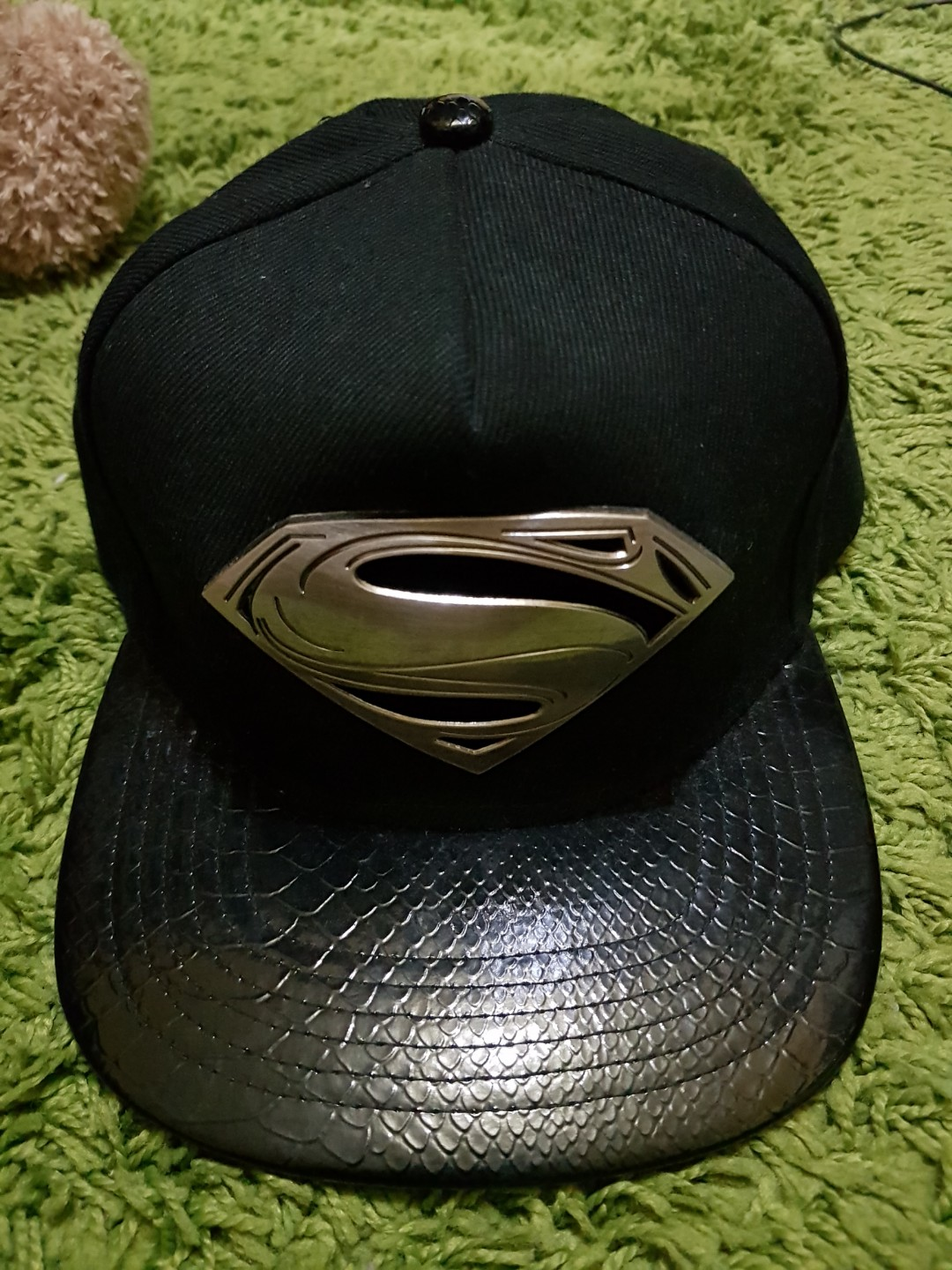 35619711 Superman Snapback, Men's Fashion, Accessories, Caps & Hats on Carousell