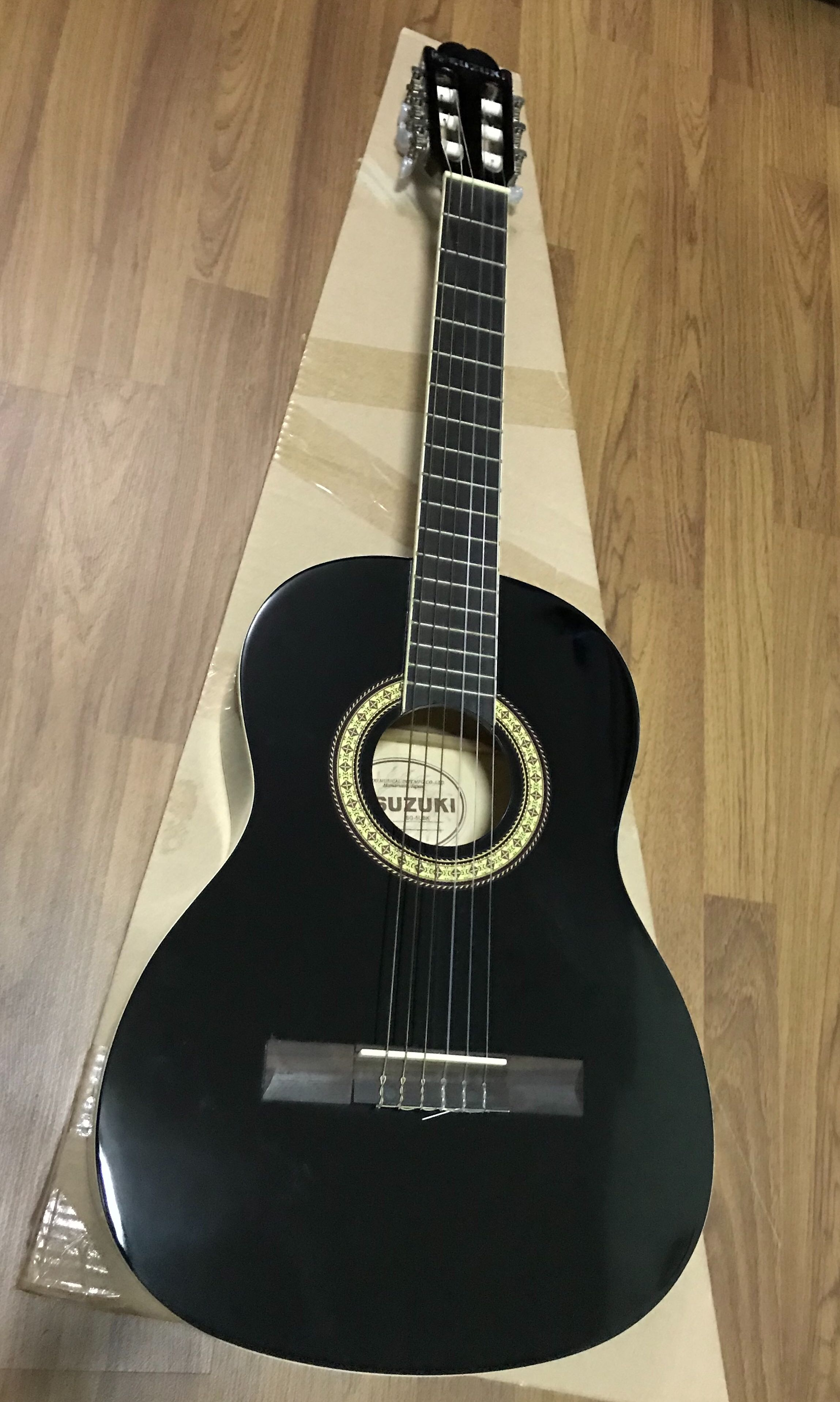 Suzuki Classical Acoustic Guitar Black Colour Condition 10 10