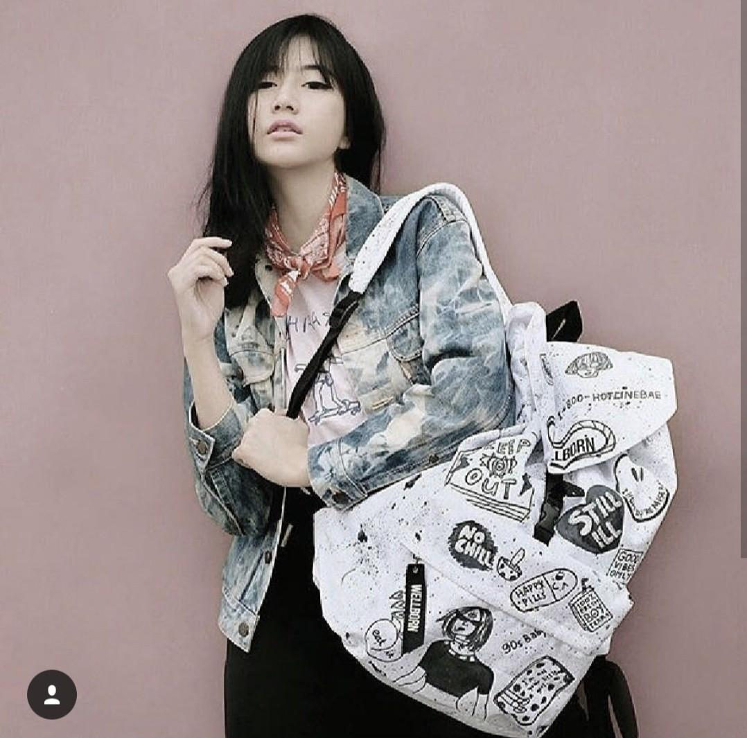 White Daily Bag
