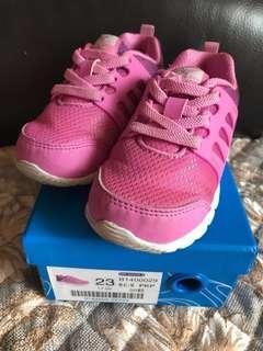 包郵Dr Kong鞋size7號 Eur 23號