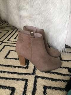 Belagio boots