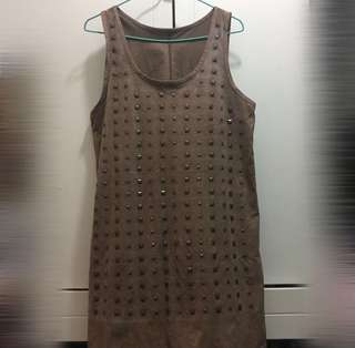 啡色窩釘連身裙 Brown dress with studs