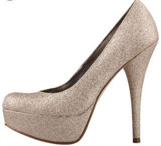 Gold high heels size 8 1/2