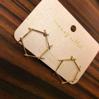🚚 金色 六角形個性耳環