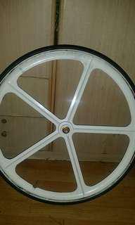 Aerospoke front wheel