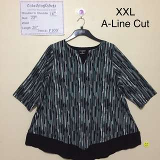 XXL - Black and Gray Print Flowy Top