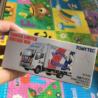 Tomica limited vintage F24 日產貨車
