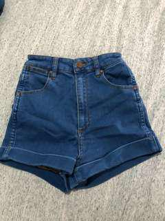 Wrangler Pin Up Mini Shorts - Size 7