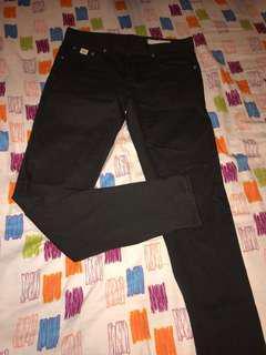 UPSET JESANS 購自韓國男裝牛仔褲一條