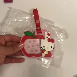 Sanrio 🇯🇵 Hello Kitty red luggage tag