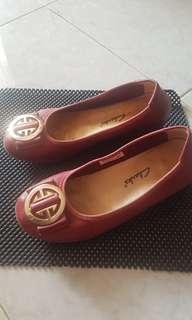 Sepatu clarks wedges warna merah