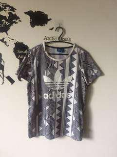 🚚 Adidas 愛迪達上衣