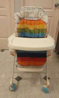 日本製 COMBI 兒童餐椅車 送BB座位玩具收藏櫈(可斜孭出街,開合位一邊扣有損)
