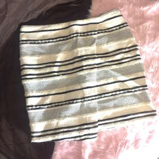 BNWT H&M Tweed Overlap Skirt