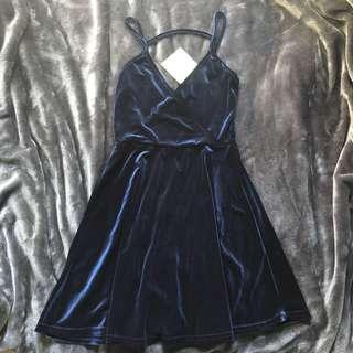 BNWT NAVY BLUE VELVET PLUNGE SKATER DRESS SIZE 8