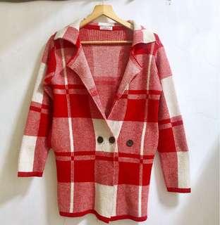 🚚 Eyescream 紅白格紋針織外套
